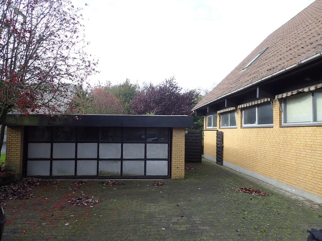 Garage Industriområdet 2, Hovedgård